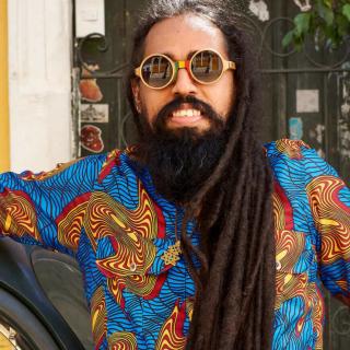 """Prince Addamo celebra uma década de Salvador com novo EP, """"Original Camacã"""""""
